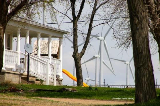 th_Wind farm Petersburg house IMG_8224