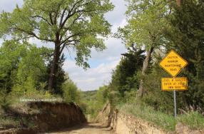 Min maint road Prep Canyon Iowa 2019 Jamie Vesay screenshot WM NELO